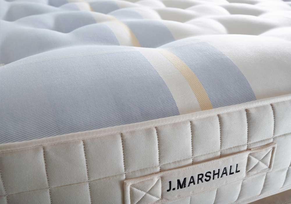 J. Marshall No. 3 Matratzenbezug